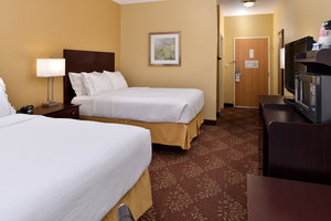 Room - Holiday Inn Express Hotel & Suites Sharonville