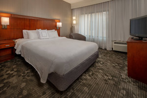 Suite - Courtyard by Marriott Hotel Christiana Newark