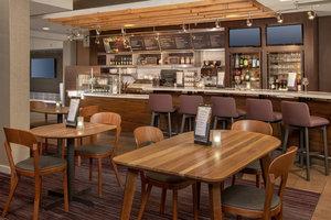 Bar - Courtyard by Marriott Hotel Christiana Newark