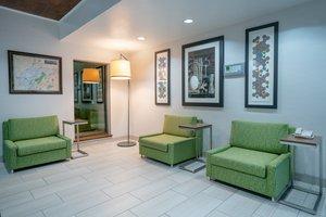 Lobby - Holiday Inn Express Hotel & Suites Elkins