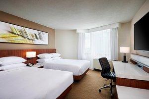 Room - Delta Hotel by Marriott Mississauga