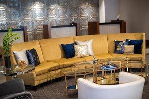 Lobby - Renaissance Savery Hotel Des Moines