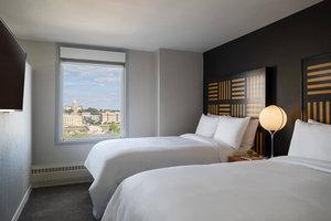 Room - Renaissance Savery Hotel Des Moines