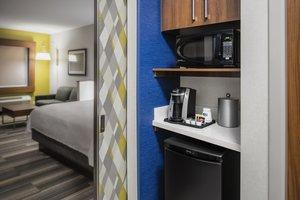 Room - Holiday Inn Express Hotel & Suites East Kelowna