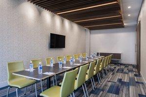 Meeting Facilities - Holiday Inn Express Hotel & Suites East Kelowna