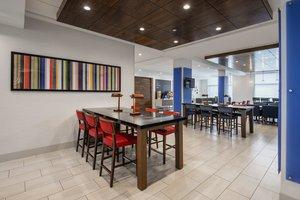 Restaurant - Holiday Inn Express Hotel & Suites East Kelowna