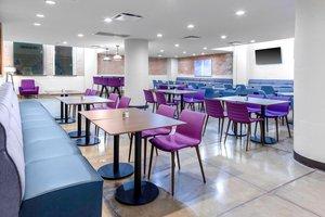 Restaurant - Fairfield Inn & Suites by Marriott Downtown Dallas