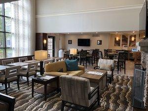 Lobby - Staybridge Suites Novi