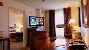 Room - Staybridge Suites Novi