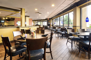 Restaurant - Holiday Inn Greenbelt