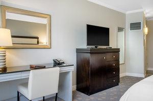 Room - Omni Riverfront Hotel New Orleans