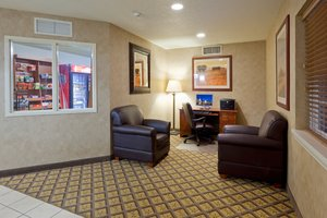 Lobby - Candlewood Suites Williamsport