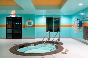 Pool - Holiday Inn Express South Lathrop