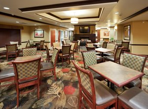 Restaurant - Holiday Inn Express Hotel & Suites Airport Great Falls
