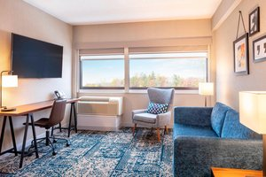 Suite - Four Points by Sheraton Hotel Norwood