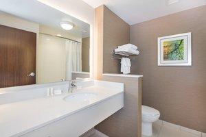 Room - Fairfield Inn & Suites by Marriott Downtown Dayton