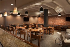 Restaurant - Four Points by Sheraton San Jose Airport