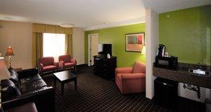Suite - Holiday Inn Hazlet