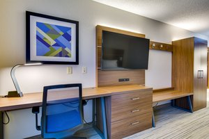 Room - Holiday Inn Express Vincennes