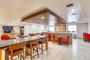 Restaurant - Holiday Inn Express Vincennes