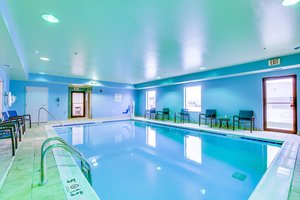 Pool - Holiday Inn Express Vincennes