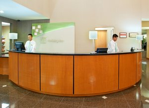 Lobby - Holiday Inn Hotel & Suites Airport Oakland