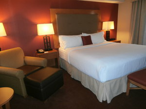 Room - Holiday Inn Hotel & Suites Airport Oakland