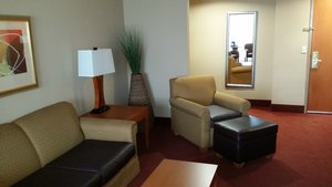 Suite - Holiday Inn Hotel & Suites Airport Oakland