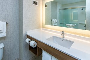 Room - Holiday Inn Express Hotel & Suites Roseville