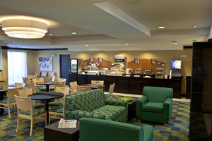 Restaurant - Holiday Inn Express Dimondale