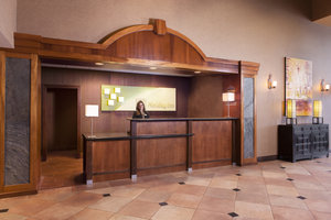 Lobby - Holiday Inn Hotel & Suites Council Bluffs