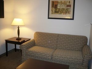 - Holiday Inn Express Hotel & Suites Gretna