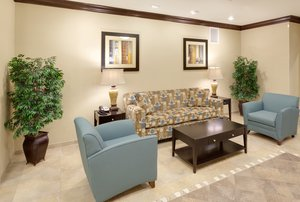 Lobby - Holiday Inn Express Hotel & Suites Gretna