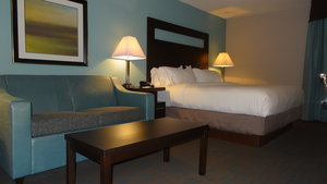 Room - Holiday Inn Express Bonner Springs