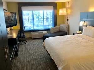 Room - Holiday Inn Express Hotel & Suites Tracy