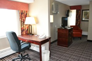 Suite - Holiday Inn Express Red Deer