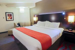 Room - Holiday Inn Midtown Austin