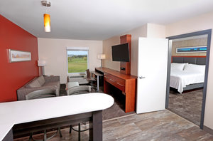 Suite - Holiday Inn & Suites Airport Sioux Falls