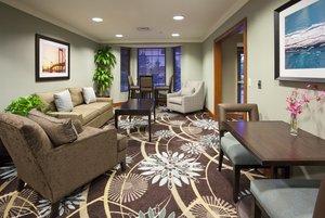 Lobby - Staybridge Suites Bloomington