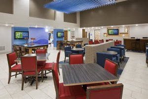 Lobby - Holiday Inn Express Hotel & Suites Golden Valley