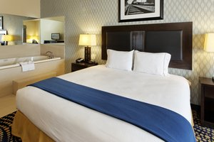 Suite - Holiday Inn Express Hotel & Suites Weatherford