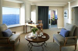Suite - Woodmark Hotel, Yacht Club & Spa Kirkland