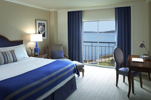 Room - Woodmark Hotel, Yacht Club & Spa Kirkland