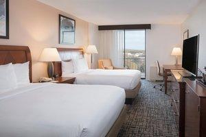 Room - DoubleTree by Hilton Hotel East Syracuse