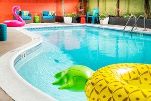 Pool - Staypineapple University Inn Seattle