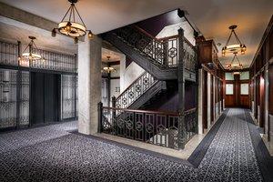 Lobby - Staypineapple Chicago the Loop Hotel