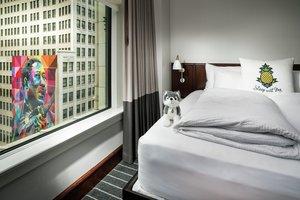 Room - Staypineapple Chicago the Loop Hotel