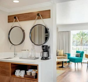 - Town & Country Resort San Diego