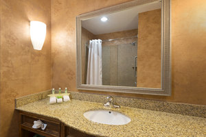- Holiday Inn Express Hotel & Suites West Little Rock