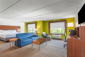 Suite - Holiday Inn Express Hotel & Suites West Augusta